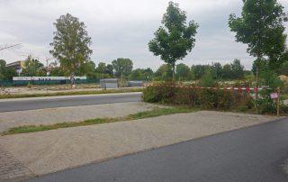 Der hintere Teil des Parkplatzes am Röthelheimbad ist jetzt gesperrt (Foto: Ayko Knisch)