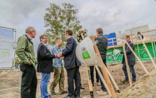Beim offiziellen Spatenstich der Sparkassen Bergwelt (Foto: L. Kügel).