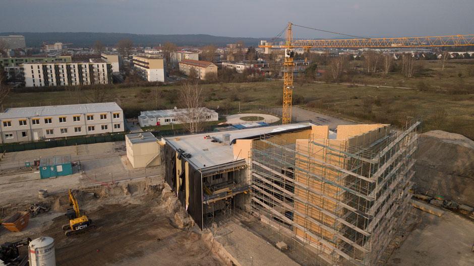Kletterzentrum Erlangen - Rohbau und künftige Kletterhalle